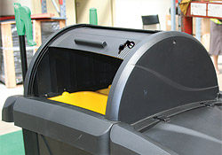 Clean-up Cart Easy Opening Lid
